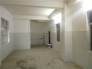 西乡塘大学科园路口230平米临街小仓库招租