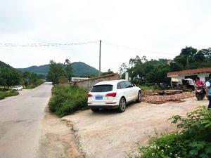 兴宁区邕武路六覃村临路4亩场地、山渐青后面30亩场地招租