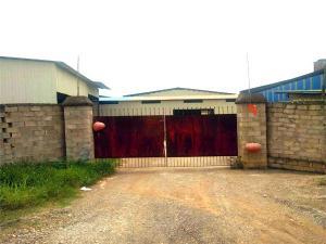 西乡塘区324国道旁厂房仓库、空地招租,可以分租
